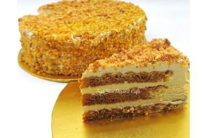 Almond Tiramisu Cake