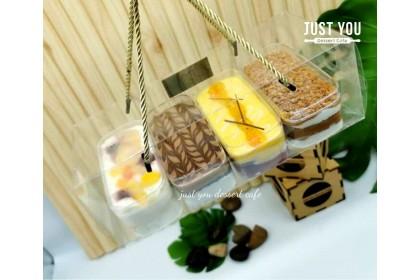 Cake in Box Gift Set